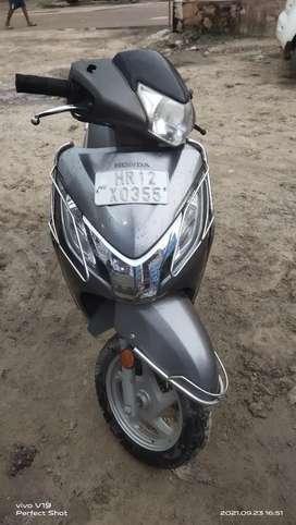 A Honda activa 125 cc disc break well maintained no one screach