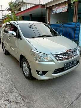 Bismillah Toyota kijang Innova grand 2011 AT