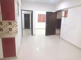 DEFENCE PHASE 2 E X T D H A FLAT FOR RENT 3BEDROOM 3RD FLOOR TILED