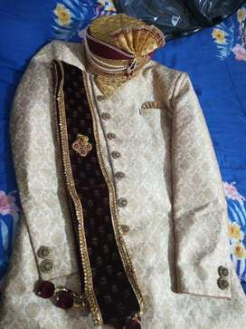 Sherwani set for sale used for 4 hrs