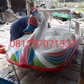 sepeda air bebek putih, sepeda air bebek fiberglass