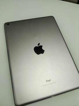 iPad 6TH Generation. ( WiFi 32GB Space Gray )