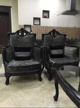 Furniture in 10/10 good condition