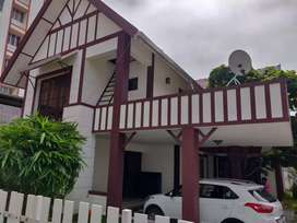 Brand laxury  villa sale vaduthala near marine drive