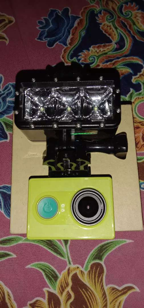 Jual xiaomi yi cam + lampu Led waterproof 0