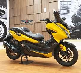 Honda Forza 250 hitam doff (wrap Oracal Yellow) fp plat B, odo 4600 km