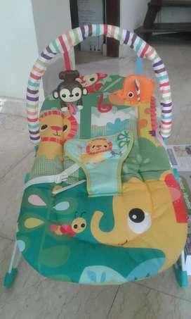 tempat tidur bayi baru lahir kondisi masih bgus saya jual soal ada 2