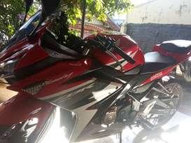 Honda CBR 150R 2016 Low Km Nego Sampe Deal