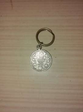 1913 1 rupee coin with silver key ring