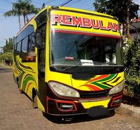 Bus Medium Elf HD 125 PS 2011