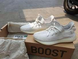 Adidas yeezy 350 boost v2 cream white bisa gojek