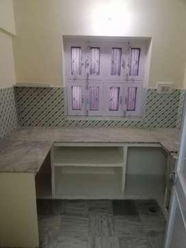 दो रूम का फ्लैट रातानाडा प्राइम लोकेशन पर किराए पर देना है