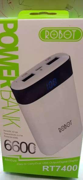Minat? Power Bank Robot warna Putih 6600MAH