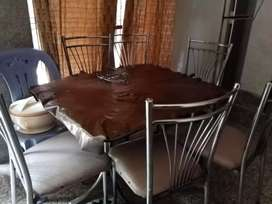 Dinning hotel table plus 6 chair