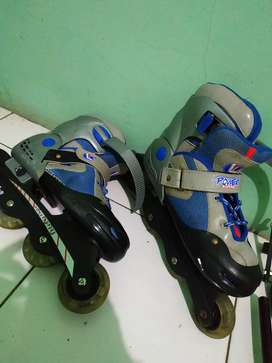 Sepatu Roda mulus murah