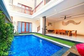 disewakan bulanan 4 bedroom private pool villa di seminyak bali