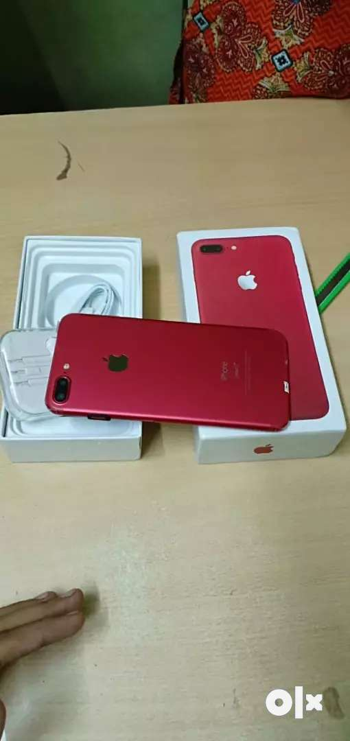 Apple 7 plus sale red color 0