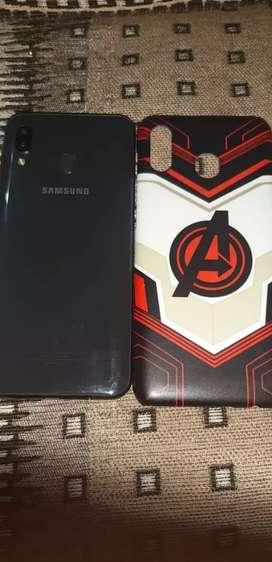 Samsung galaxy a20 ,3gb ram+32 gb storage , with dual camera