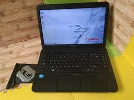 Jual Laptop Toshiba C800 hitam cel.1000M