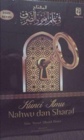 Almiftah fi ilmilnahwi walsorf kunci ilmu nahwu dan shorof (Pemula)