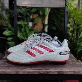 Sepatu Bola Adidas Predator 2010