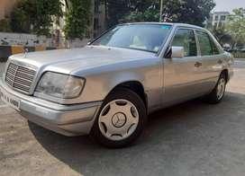 Mercedes-Benz E-Class 1993-2009 220 petrol, 1996, Petrol