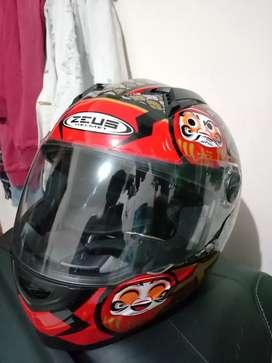 Dijual helm merk zeus