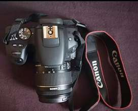 Canon camera 200d two lines new condition good looking