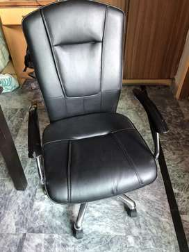 Office Chair - Executive - Revolving Chair