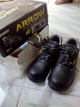 KRISBOW SAFETY SHOES ARROW 4 INCH