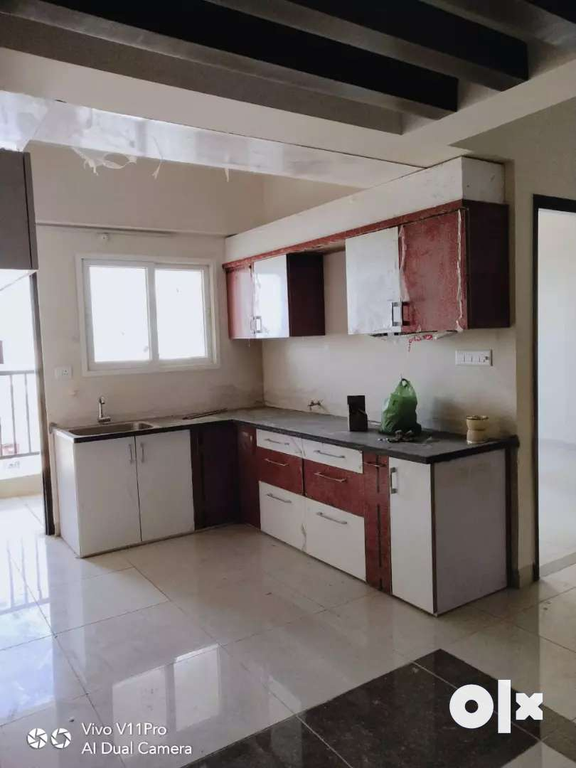 2bhk flat available in The Empress Nipania including registry 43 lakh 0