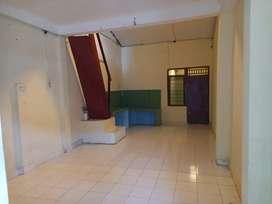 Disewakan rumah 2 lantai dipusat kota