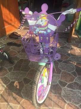 Sepeda anak warna ungu