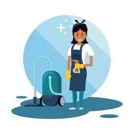 Pembantu atau asisten rumah tangga wanita beragama hindu bali