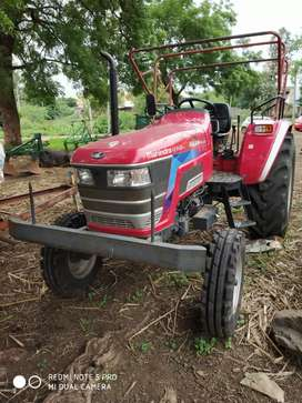 Tractor with one accessory