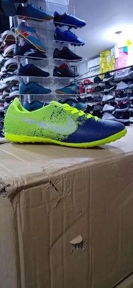 Sepatu Futsal 001