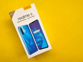 Brand new realme 5 3/32 and 4/64