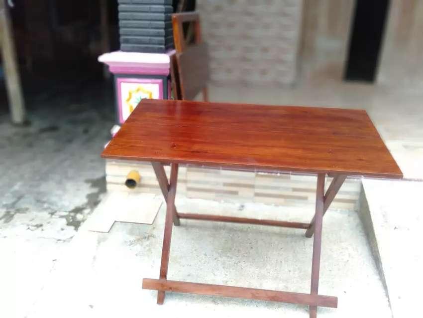 Meja Lipat Kayu Praktis dan Serbaguna 0