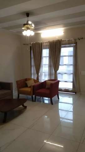 Hig upper flat 4bhk 1st floor for sale in sector 43 b