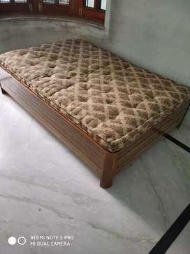 single bed 6 by 4 wooden