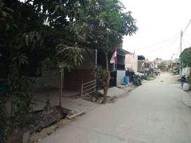 JUAL RUMAH MURAH Luas tanah 104m ,lokasi strategis buat usaha