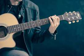 Guitar/Keyboards classes per month 1000