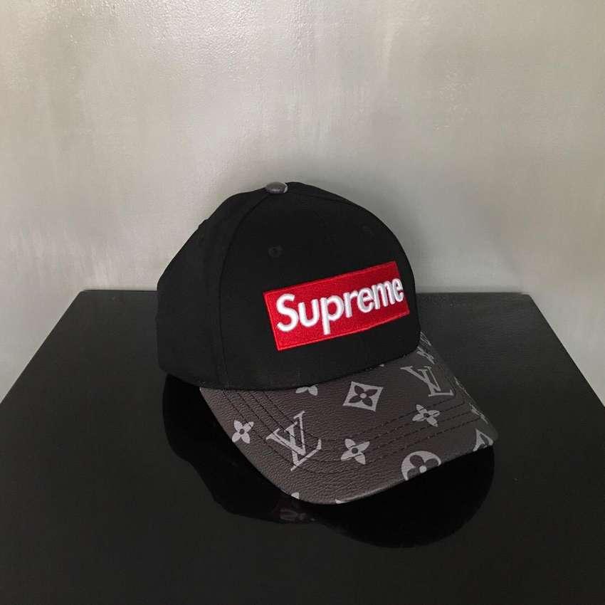 Topi Supreme Leather Cap 0
