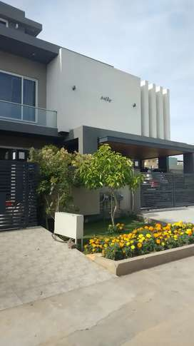 F-7, 1 kanal, Eight Bed Full House for Rent.