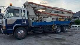 Concrete pump long boom mitsubishi 2012 31 Meter