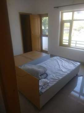 Its 12room pg for rent in Canal Road furnished with beds