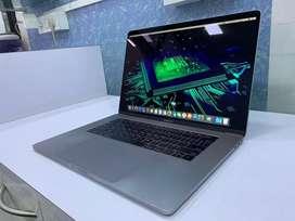 """JustMac-Apple MacBook Pro TouchBar 15"""" 512 GB SSD/16 GB RAM/Core i7"""