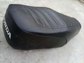 125 honda seat in Good condition