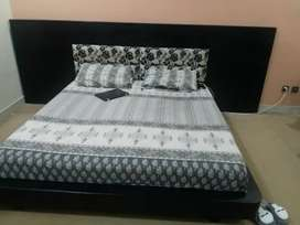 habitt bed set slightly used like new condition