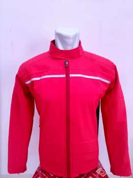 Jaket bikers merah menyalah